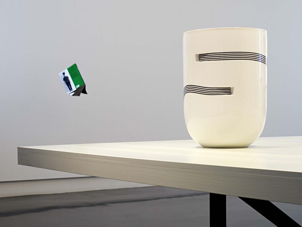 Entre les vases - © Pierre Charpin